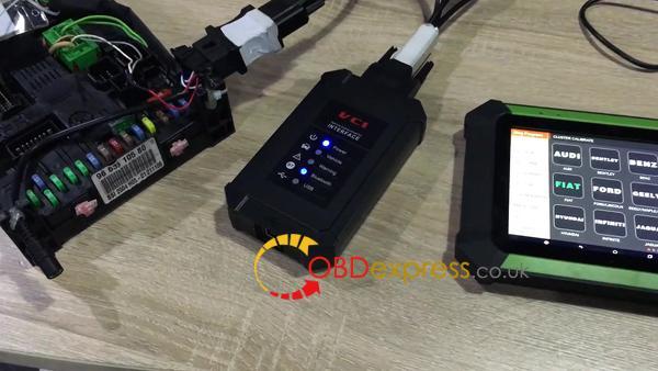 obdstar-x300-dp-adjusts-odometer-on-peugeot-bsi-2004-ho5-02