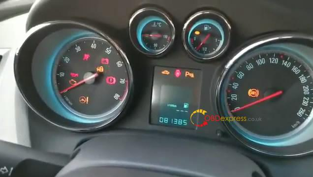 jmd-obd-calibrates-odometer-on-buick-excelle-2013-03
