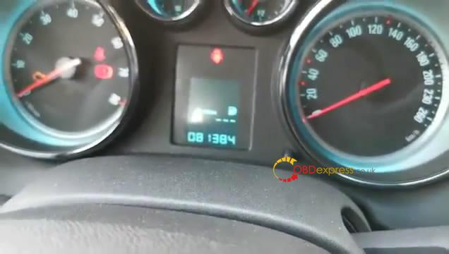 jmd-obd-calibrates-odometer-on-buick-excelle-2013-13