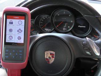 Xtool X100 Pro2 2006 Porsche 911 997 Mileage Programming 01